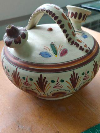 Botijo de cerámica artesanal