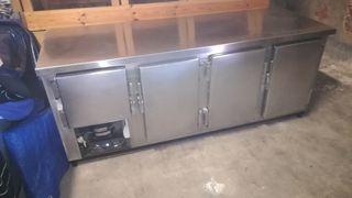 Nevera bajo mostrador 4 puertas