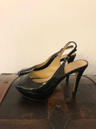 Zapatos de fiesta negros