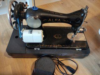 Máquina de coser Alfa vintage