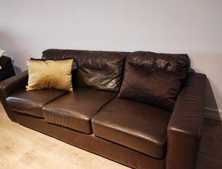 sofás 3 plazas piel marrón.