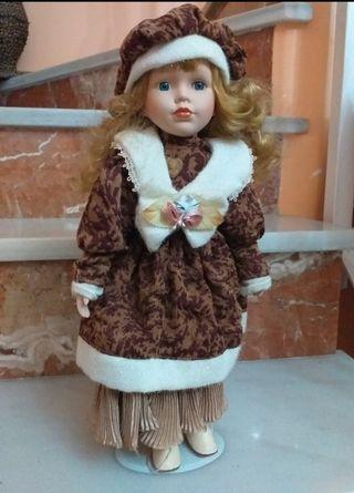 Pareja de muñecas de cerámica