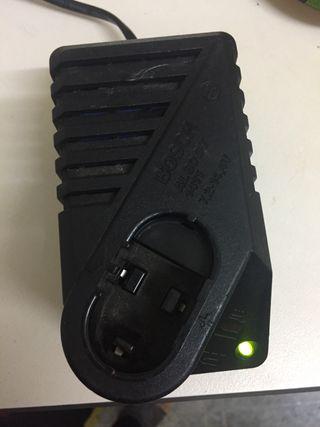 Base de carga oficial taladro a batería Bosch