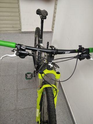 Bicicleta mtb cube Ltd Race 29
