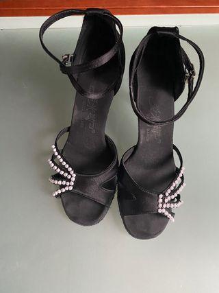 Zapatos de salsa/ bailes de salón