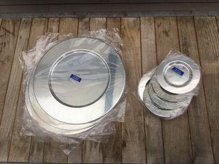 Juego 8 bajoplatos+platos pan bañados plata de ley
