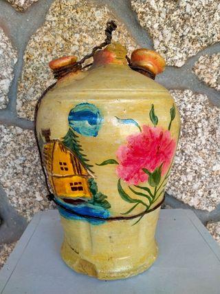 Antiguo botijo con encanto