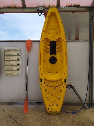 kayak de pesca de gran capacidad