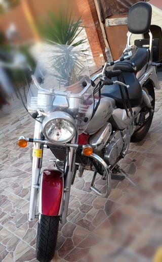 SE VENDE HYOSUNG AQUILA 250 AÑO 2006