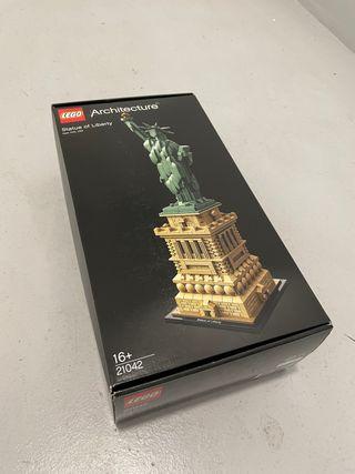 """Lego Architecture """"Statue of Liberty"""" - Ref. 21042"""