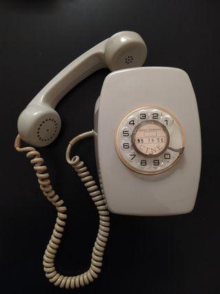 Antiguo telefono vintage
