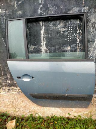 Puerta trasera derecha de Renault Espace completa
