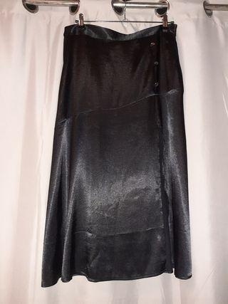 Falda con abertura lateral