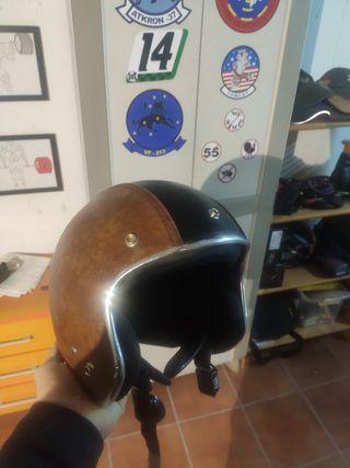 Casco de moto tipo custom