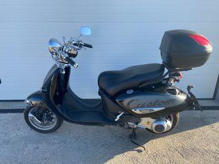 Moto scooter Aprilia compay custom 125 cc