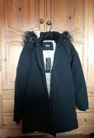 Abrigo negro capucha pelo only el corte ingles