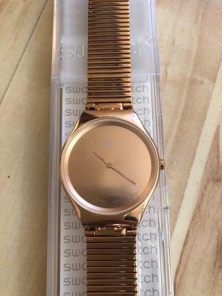 Reloj Swatch mujer cadena metálica