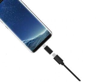 Adaptador de micro USB a micro USB C.