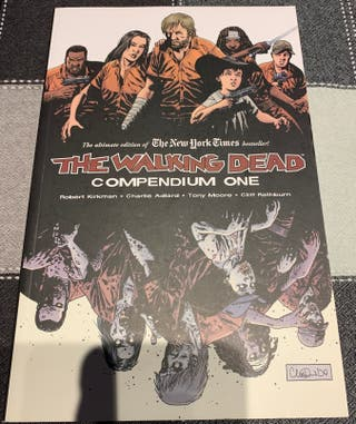 Cómic USA The Walking Dead Compendium 1