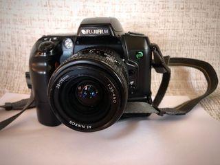 Cámara digital Fujifilm Finepix con objetivo