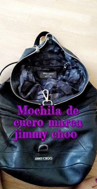 bolso de cuero de la famosa marca jimmy choo