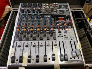 Mesa de sonido Behringer H 1204 USB y 2 Altavoces