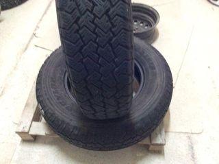 2 neumáticos 215 80R16 107S dunlop ocasion