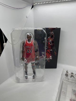 Muñeco Michael Jordan de colección.