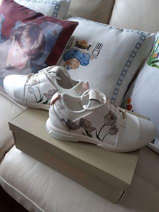 zapatillas demarca elegantes