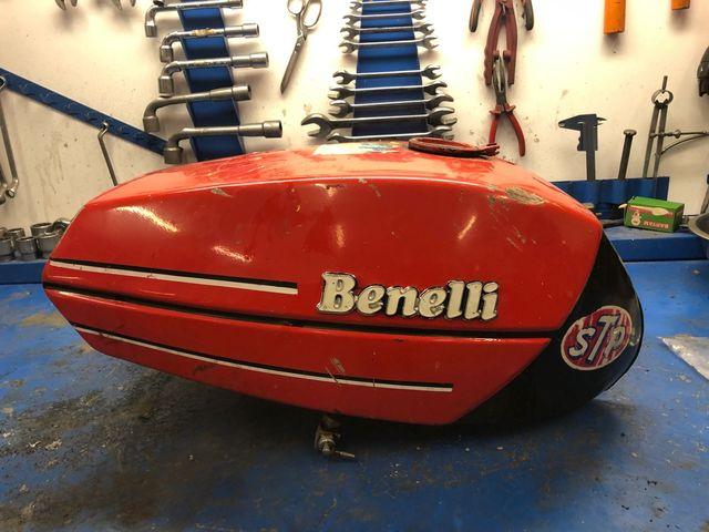 Deposito moto Benelli