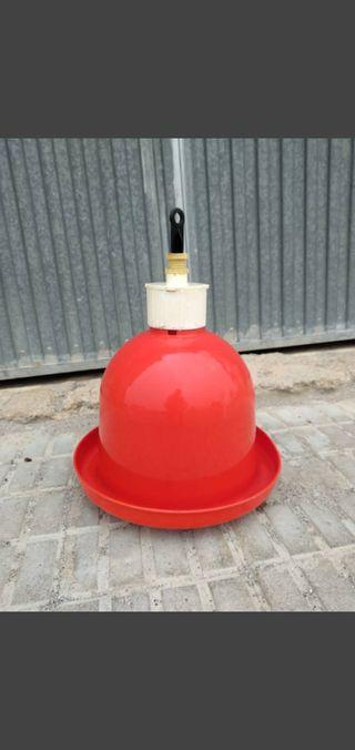 Bebederos automáticos de campana para aves