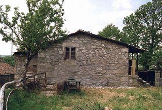 Casa de piedra a reformar ..