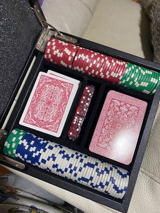 Maletín juegos de mesa