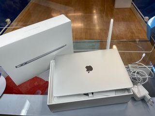 MacBook Air 13 256gb Silver Touch ID