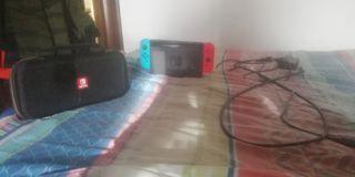 Consola Nintendo Switch con 4 Juegos + Maletín