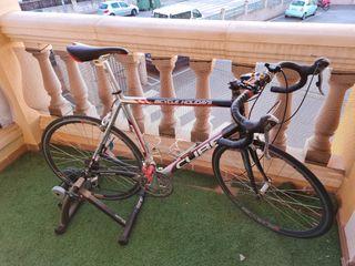 Bici Carretera Cube + rodillo