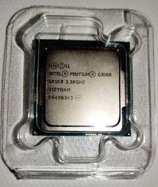 Procesador Intel G3260 con gráfica integrada.