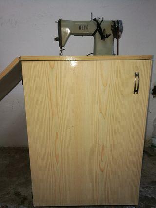 Maquina de coser alfa de los años 60