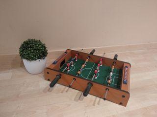 Futbolín de madera para niños
