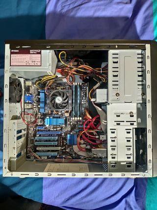 "Torre de ordenador AMD Gaming + Pantalla 17"" + tec"