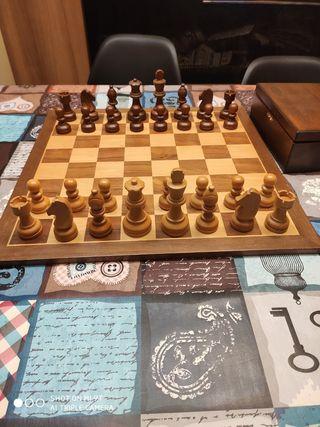 juego piezas ajedrez de madera