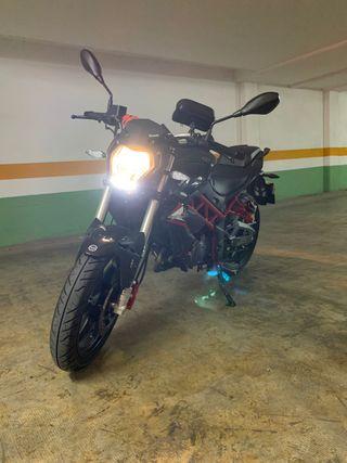 Moto Benelli BN 125 2020