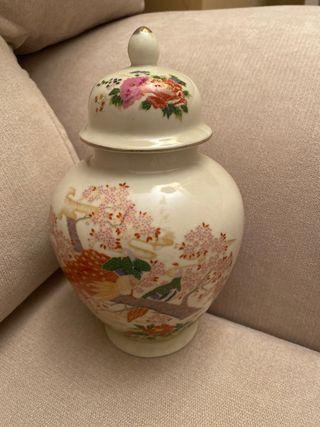 Tibor de porcelana japonesa Satsuma