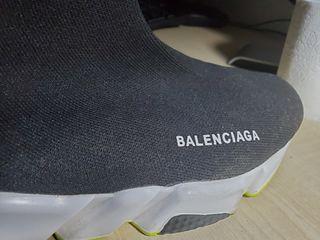 Balenciaga Sneakers. Negro, contorno y suelo verde