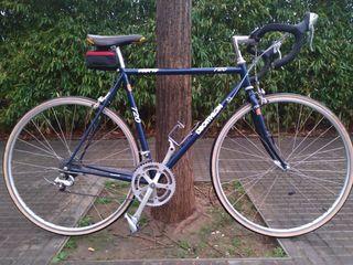 Bicicleta de carretera Shimano 105
