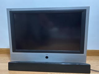 "TV Loewe DVB 32"" + Sound Bar Sony."