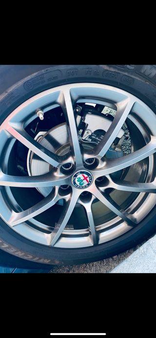 """Llantas Alfa Romeo 17"""""""