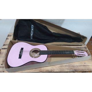 Guitarra infantil rosa Play On