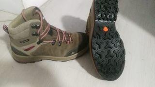 Botas trekking waterproof decathlon talla 40-41