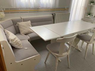 Mesa, banco esquinero acolchado y 3 sillas